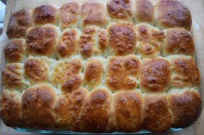 Buttery Bread Machine Dinner Rolls